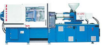 horizontal hydraulic injection molding machine with toggle joints 200 - 320 t | HERCULE Billion