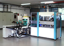 loading / unloading robotic cell for injection molding machine  PARO