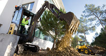 mini-crawler excavator 1 560 - 1 650 kg | EC17C Volvo Construction Equipment