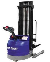 narrow-aisle reach truck 40 - 4 000 lbs | BGN series Blue Giant