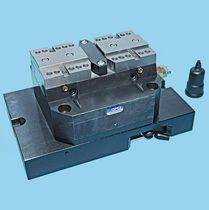 pneumatic machine tool vise 7 500 - 80 000 N, 8.4 - 20 mm | PBA series OMIL