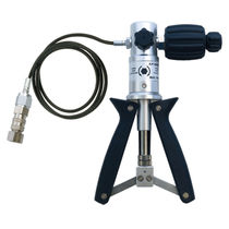 pressure calibration hand pump -0.85 - 25 bar | K/P KELLER