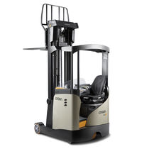 reach truck 1 400 - 2 000 kg, max 13 m | ESR 5200 series CROWN