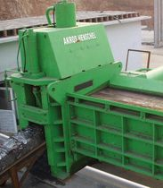 scrap metal baling press / guillotine shears  AKROS
