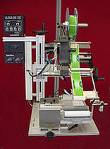 semi-automatic labeler for cylindrical products 30 - 40 p/min | HAR Weber Marking