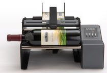 semi-automatic labeler for cylindrical products max. 1 200 p/h | AP362 Primera Technology
