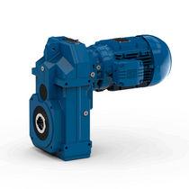 Shaft-mounted electric gearmotor for conveyor