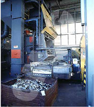 shot blasting machine with steel belt conveyor Tappeto Rampante ® OMSG - OFFICINE MECCANICHE SAN GIORGIO SpA
