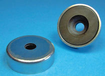 sintered ferrite flat pot holding magnet with bore and counterbore DN 16 - 40 ThyssenKrupp Magnettechnik
