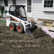 skid steer loader 2 795 lb | S70 BOBCAT