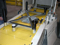 slat chain conveyor  Almac Industrial Systems
