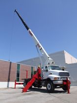 telescopic crane max. 23 587 kg, 32 m | 26105F Elliott Equipment Company