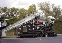tracked asphalt spray paver 10' (3.0m) | SP-200 Roadtec