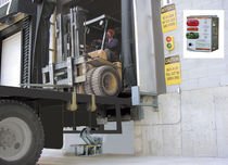 vehicle restraint system MFRSA32 PENTALIFT EQUIPMENT