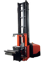 very narrow-aisle (VNA) swing mast electric forklift truck max. 1 250 kg, max. 14.25 m | VCE125ASF TOYOTA Material Handling