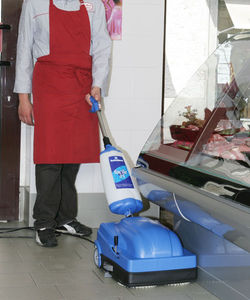 Walk Behind Scrubber Dryer / Battery Powered / Cable Powered / Compact