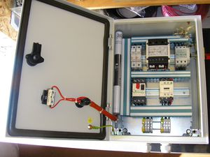 Etonnant Control Cabinet / Wall Mount / Low Voltage