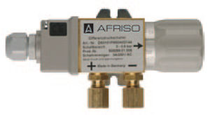 Differential pressure switch / variable