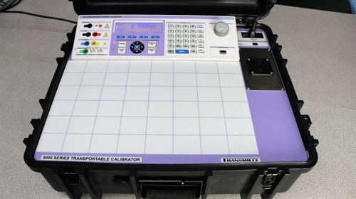 multifunction calibrator / temperature / voltage / current
