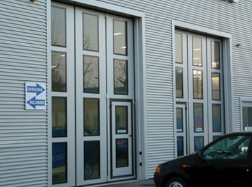 folding door / exterior / industrial