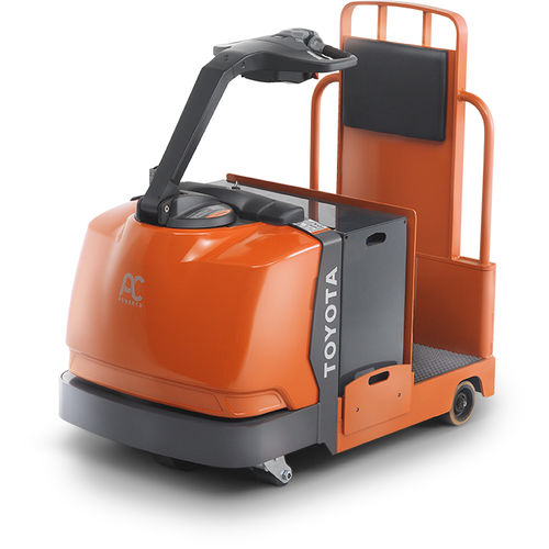 electric tractor / 4-wheel / stand-on / towing
