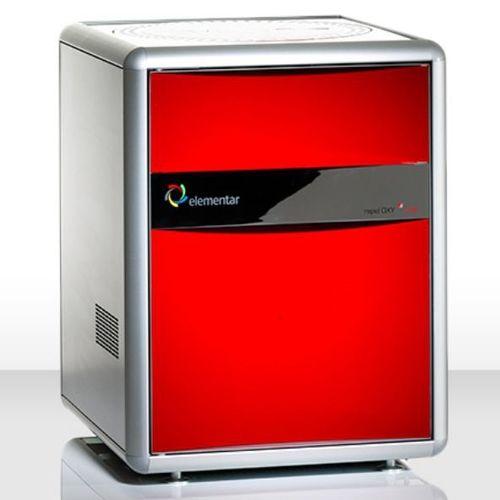 oxygen analyzer / temperature / benchtop / automatic