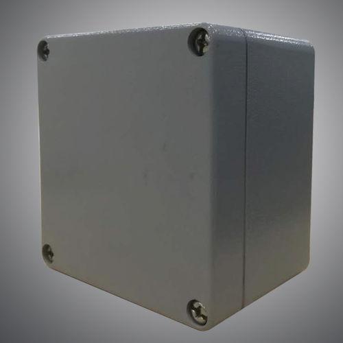 wall-mounted junction box / waterproof / metal