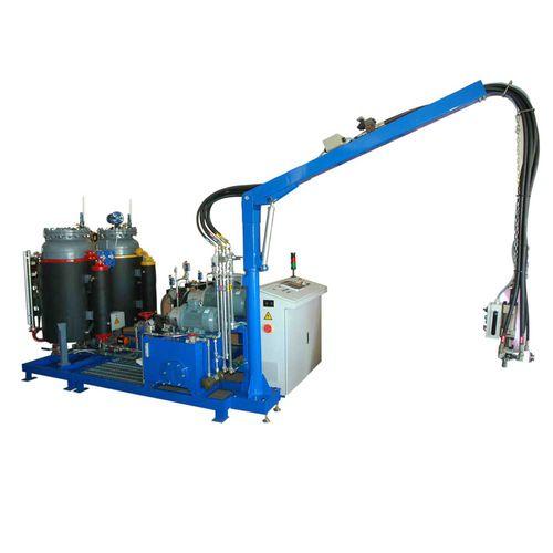 polyurethane foam dispensing system