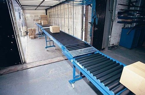 Roller conveyor / telescopic / horizontal max. 15 m Owens Conveyor Company