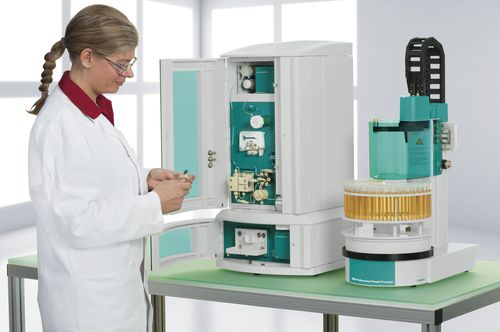 ion chromatograph / UV/VIS / laboratory