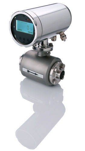 magnetic-inductive flow meter / for liquids / with display / precision