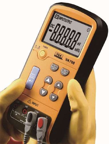 voltage calibrator / current / portable / digital