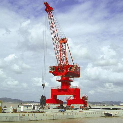 fixed crane / shipbuilding / harbor / loading