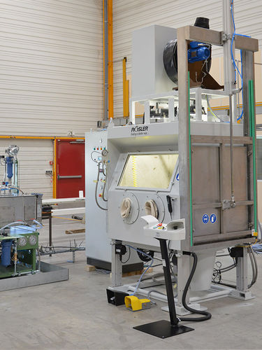 solvent cleaning machine / automated / for aeronautical applications / spray