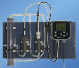 water analyzer / chlorine / pH / portable