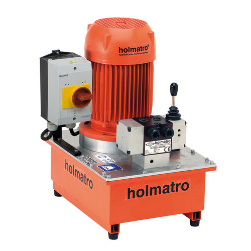 Electrically-driven hydraulic power unit / for mobile applications / wheel mounted 06 S 6 SD Holmatro Industrial Equipment BV