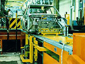 slat conveyor / for the automotive industry / chain drive