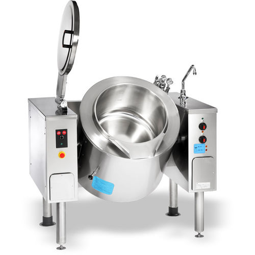 large industrial cooker / boiling