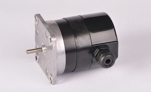AC motor / three-phase / single-phase / synchronous