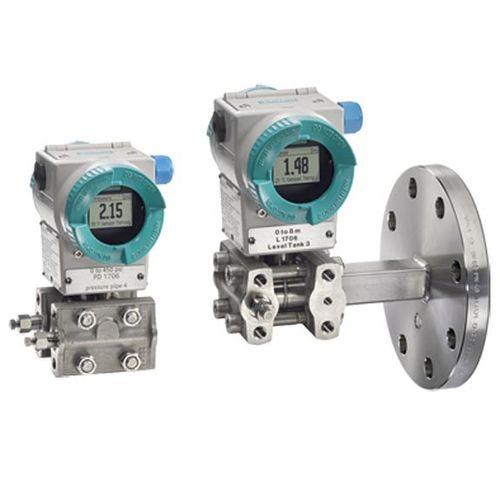 relative pressure transmitter / membrane / analog / with display