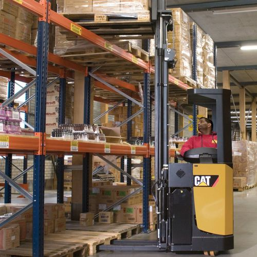 electric stacker truck / ride-on / for warehouses / for pallets