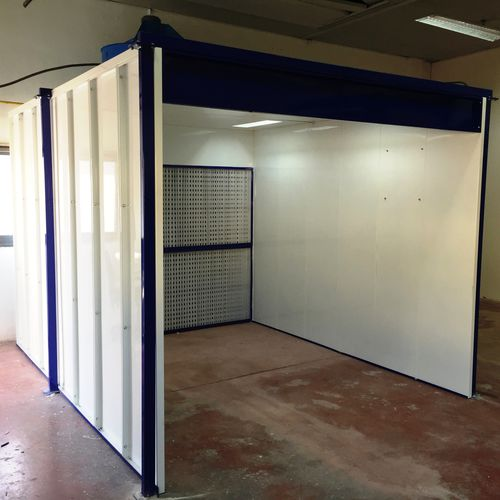 wet paint spray booth / open / enclosed / filter