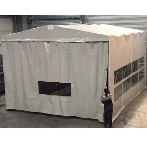 open spray booth / enclosed / dry filter / wet paint