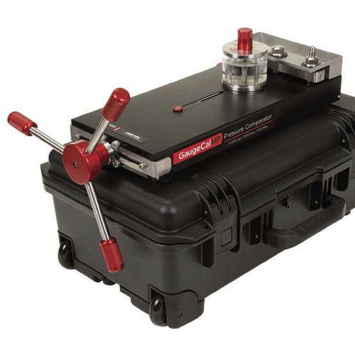 pressure calibration system / for pressure gauges / portable / laboratory