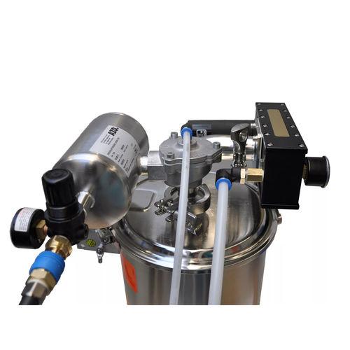 pneumatic conveyor / for the food industry / horizontal / feeding