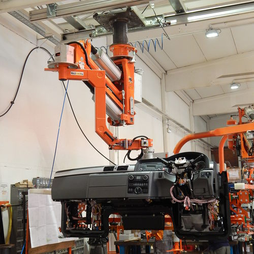pneumatic manipulator / with gripping tool / with clamping system / handling
