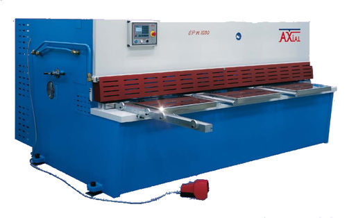 Guillotine shear / hydraulic / for metal sheets CPN AXIAL