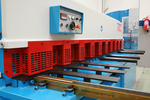 Hydraulic shear / for metal sheets / guillotine CPE series AXIAL