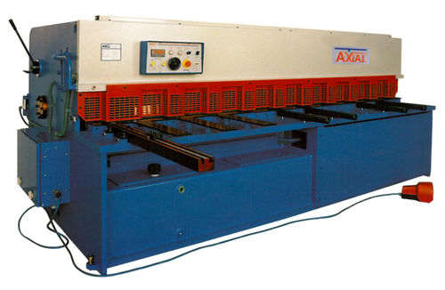 Guillotine shear / hydraulic / for metal sheets CPE series AXIAL