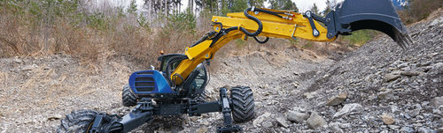 midi boom excavator / rubber-tired / Tier 3 / construction